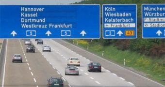 Người Việt hướng dẫn cách chạy xe trên cao tốc Autobahn ở Đức