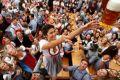 Choáng ngợp lễ hội bia lớn nhất thế giới Oktoberfest tại Đức